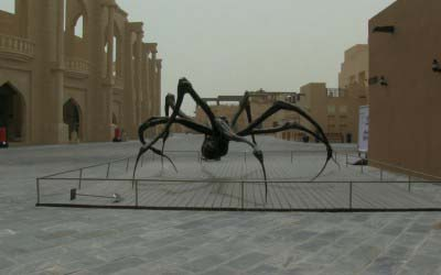 Crouching-Spider-Louise-Bourgeois-∏-Les-Poissons-Volants